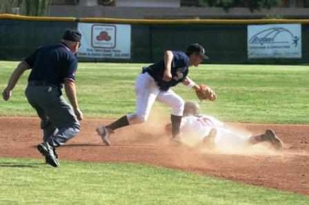 base ump right on the play